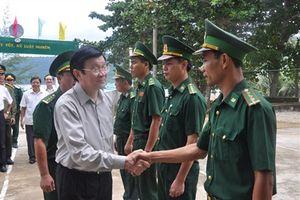 Chủ tịch nước Trương Tấn Sang thăm quân, dân đảo Thổ Chu