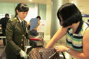 Cấm bay 6 tháng đối với hành khách dùng giấy tờ giả