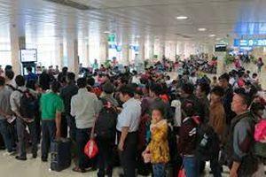Hà Nội: Dùng chứng minh thư giả làm thủ tục lên tầu bay, khách hàng bị cấm bay 6 tháng