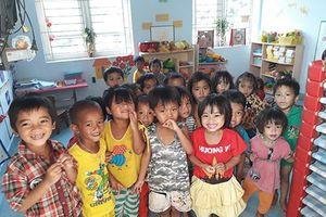 4 vạn ly sữa cho học sinh 20 trường Đèn Đom Đóm