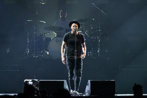 OneRepublic gây xúc động khi lần đầu biểu diễn 'Apologize' ở Bangkok