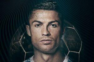 Ronaldo giành Quả bóng vàng thứ 5, cân bằng kỷ lục của Messi