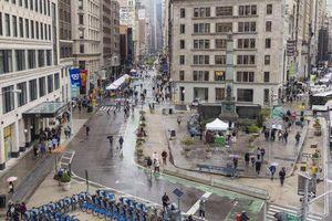 New York hạn chế ô tô, dành không gian cho người đi bộ
