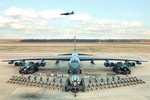 'Pháo đài bay' B-52 và SAM-2 'nối tầng'