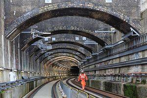 Đột nhập đường hầm 'khủng' nhất Châu Âu tại London
