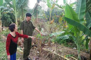 Công an lao ra sông cứu 2 học sinh bị nước cuốn