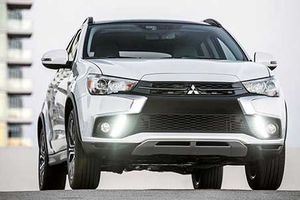 Mitsubishi Xpander giá rẻ về Việt Nam 'đấu' Toyota Innova?