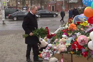 Tổng thống Putin đến viếng các nạn nhân vụ cháy trung tâm thương mại Nga