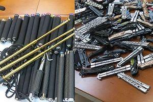 Hà Nội: Triệt phá kho vũ khí 'lạnh', công cụ hỗ trợ khủng của ông chủ 9x