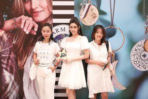 Trương Quỳnh Anh đẹp gợi cảm với váy công chúa, lẻ bóng dự sự kiện