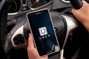 Doanh nghiệp 24h: Chuẩn bị sáp nhập vào Grab, tài xế Uber tranh thủ 'móc túi' khách hàng