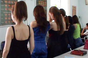 Nhiều người hành nghề mại dâm bức xúc vì chưa được xã hội quan tâm