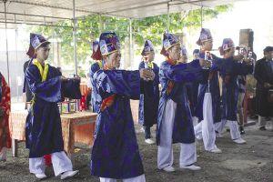 Người dân làng chài nô nức 'Nghinh Ông', giữ văn hóa biển