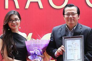 'Ông giáo làng trên tầng gác mái' đoạt giải thưởng 100 triệu đồng