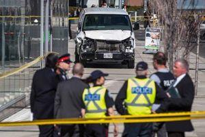 10 người thiệt mạng, 15 người bị thương