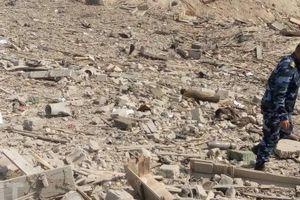 Chùm ảnh: Căn cứ tên lửa Syria tan hoang sau vụ tấn công nghi do Israel tiến hành