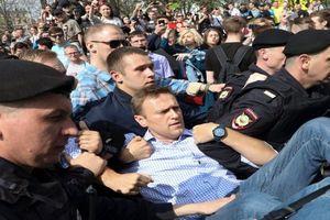 Lãnh đạo phe đối lập lại 'nhập kho' trước ngày ông Putin nhậm chức