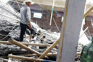 Sập giàn giáo công trình xây dựng, 2 người thương vong