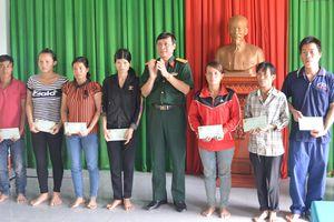 Hỗ trợ 180 triệu đồng cho vùng biên giới Chư Prông bị ảnh hưởng do mưa lũ
