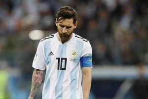 Tin World Cup 26/6: Messi rộng đường về quê, Ronaldo bị tố chơi bẩn