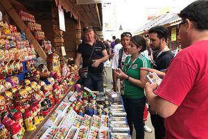 Đồ lưu niệm Nga hút khách trong mùa World Cup 2018