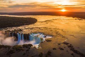 Ngắm hoàng hôn lộng lẫy từ 7 kỳ quan thiên nhiên thế giới mới