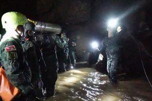 'Mỗi bước đi đầy rẫy nguy cơ', thợ lặn Thái Lan nói về cuộc giải cứu trong hang động