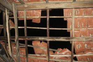 Hà Tĩnh: Hàng chục ngôi nhà bị tốc mái do ảnh hưởng bão số 3
