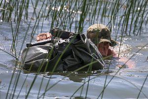 Nga tập trận chống khủng bố, vượt sông như bộ đội Việt Nam