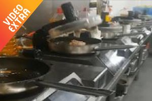 Nhà hàng do robot tự nấu tự phục vụ