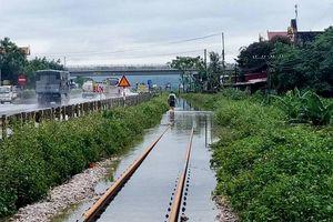 Đường sắt Hà Nội - Lào Cai thông trở lại sau mưa ngập