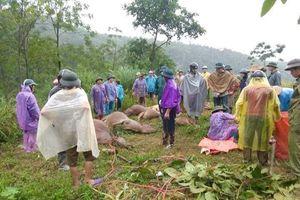 Hòa Bình: Lũ quét sạch lán trại, gia chủ cùng 11 con bò bị vùi lấp