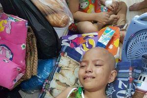 Gia cảnh khốn khó của bé gái 8 tuổi mắc ung thư buồng trứng