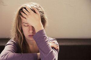 Cảnh báo cơn đau đầu liên quan đến bệnh lý thần kinh