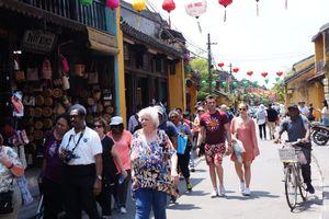 Kết quả điều tra khách du lịch đến Việt Nam năm 2017: Chưa đến 1% khách không hài lòng cũng đã 'lĩnh đủ'