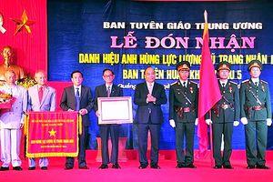 Ban Tuyên huấn Khu ủy Khu 5 nhận danh hiệu Anh hùng LLVT nhân dân