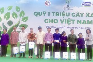 Vinamilk trồng 100.000 cây xanh tại Bắc Kạn