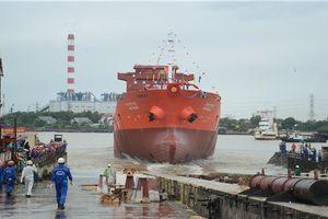 SBIC hạ thủy tàu chở dầu đầu tiên sau 6 năm đình trệ