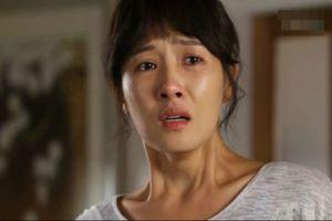 Nàng dâu khóc ròng vì có bố chồng vô cùng ghê gớm