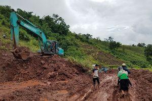 Mưa lớn gây sạt lở ở Điện Biên, QL4H tê liệt gần 30 giờ đồng hồ