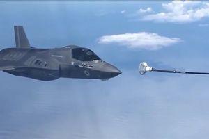 F-35B chao đảo khi tiếp nhiên liệu hụt