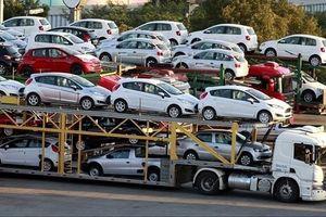 Nhập khẩu ô tô đột ngột tăng gấp 4 lần