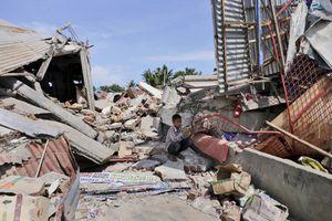 Động đất kinh hoàng ở Indonesia: Gần 100 người thiệt mạng