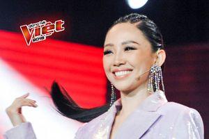 Những 'chiêu trò' độc đáo của Tóc Tiên trên sàn đấu trí The Voice 2018
