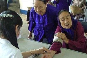 Cấp cứu thành công ngư dân ngưng tim tại đảo Thổ Chu