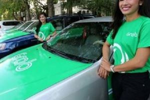 Cho rằng Bộ GTVT 'ưu ái' Grab, taxi truyền thống 'phản pháo'