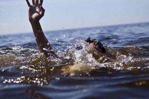 Hai bé 3 tuổi bị đuối nước thương tâm