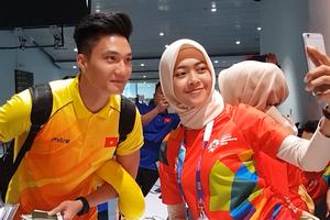 Tuyển thủ Olympic Việt Nam 'hút hồn' tình nguyện viên ASIAD