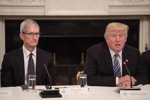 Tổng thống Donald Trump 'khoe' ăn tối với CEO Apple