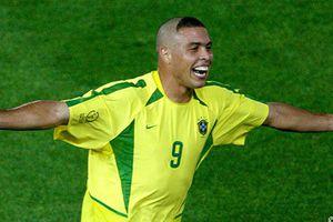 'Người ngoài hành tinh' Ronaldo nhập viện khẩn cấp